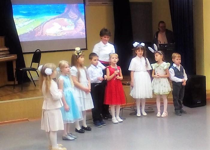 В центре «Академический» состоялся концерт детских вокальных коллективов