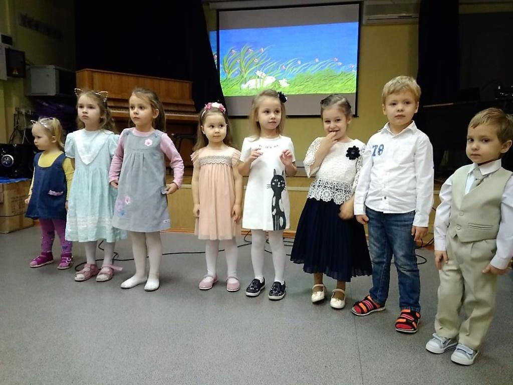 В центре культуры «Академический» прошел концерт, посвященный мамам