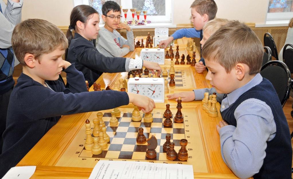 Городской турнир по шахматам прошел во дворце творчества «Севастополец»
