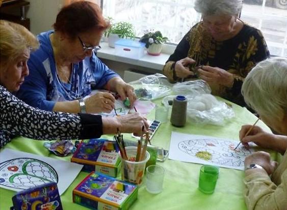 Урок арт-терапии прошел в филиале «Академический» ТЦСО «Зюзино»