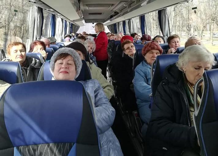 Добрый автобус отвез жителей Академического района в экскурсию по Москве