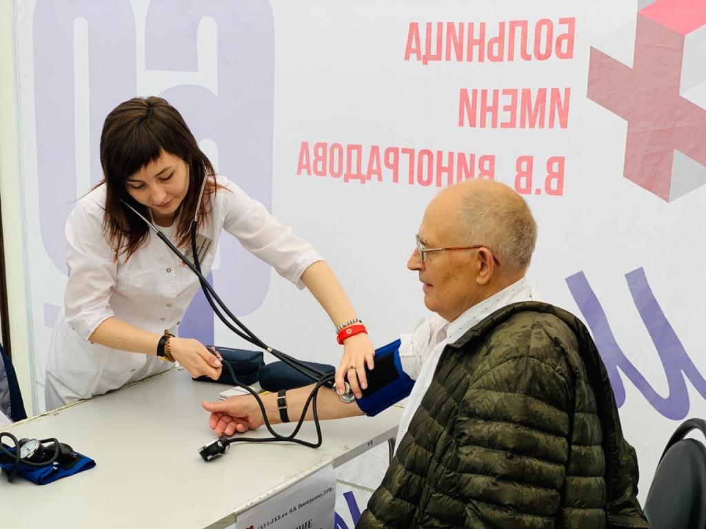 Больница № 64 провела День здоровья в парке Сосенки района Котловка