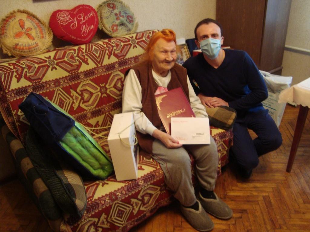 В Академическом районе поздравили со 100-летним юбилеем ветерана Великой Отечественной войны